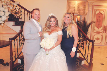 Ashley Alexis Smith Marries Travis Yohe